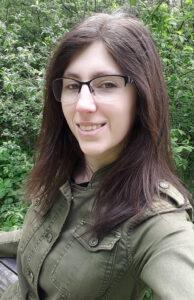 Katrin Biasi im Wald